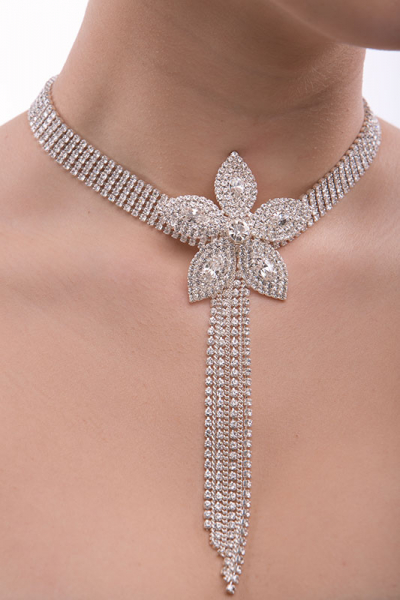 Collar, choker with big flover motive