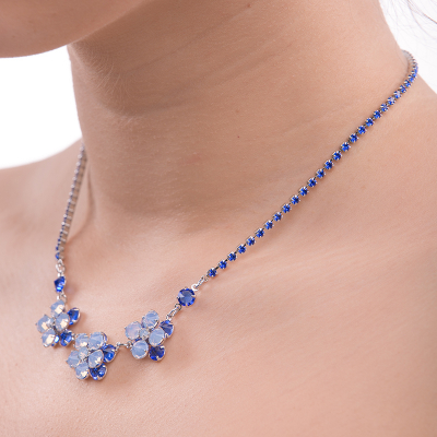Two floor flower necklace