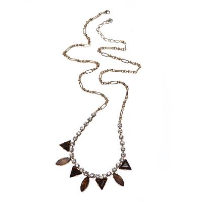 Elegant necklace gold
