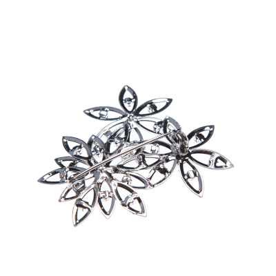 Brooch flowers