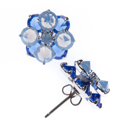 Two floor earrings flower